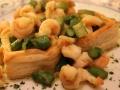 Sfogliatine con code di gamberi e asparagi